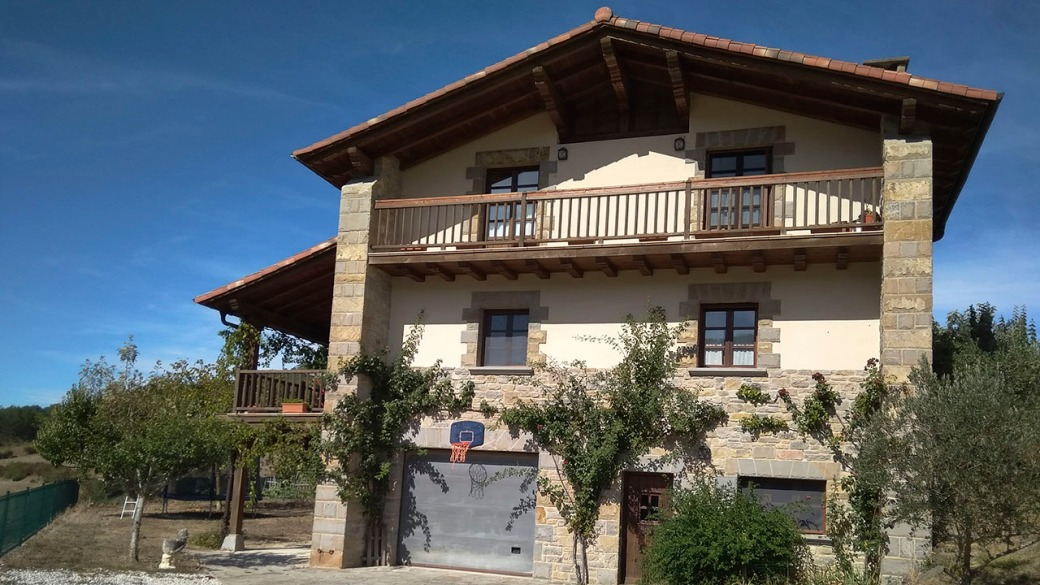 Casa Rural Elbegi eremua alojamiento enduro mtb